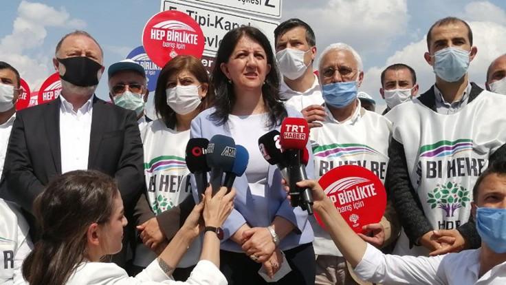Pervin Buldan: AKP hükümetinin yaptığı siyasi bir darbedir
