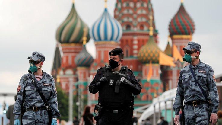 Ruslar, seyahat yasağını Belarus üzerinden deliyor