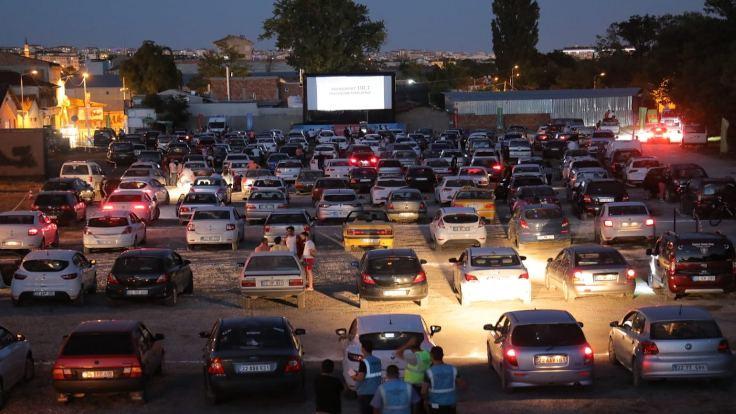Edirne'de arabalı sinema günleri