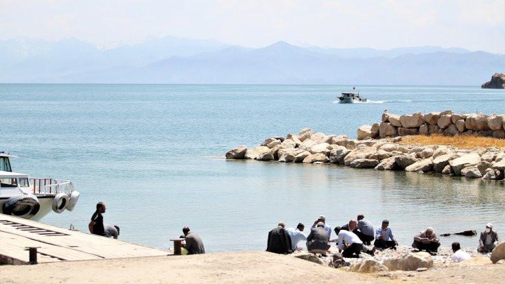 Van Gölü'nde bulunan ceset sayısı beşe çıktı