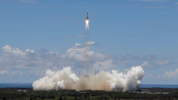Çin Mars'a keşif aracı fırlattı