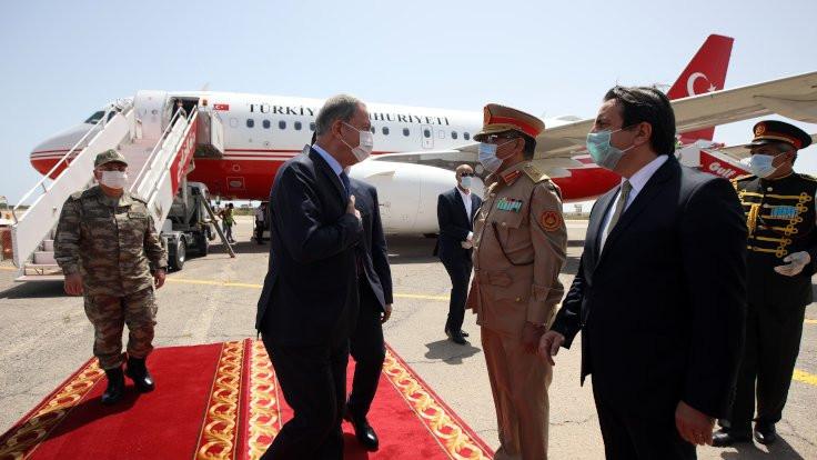 Milli Savunma Bakanı Akar Libya'ya gitti
