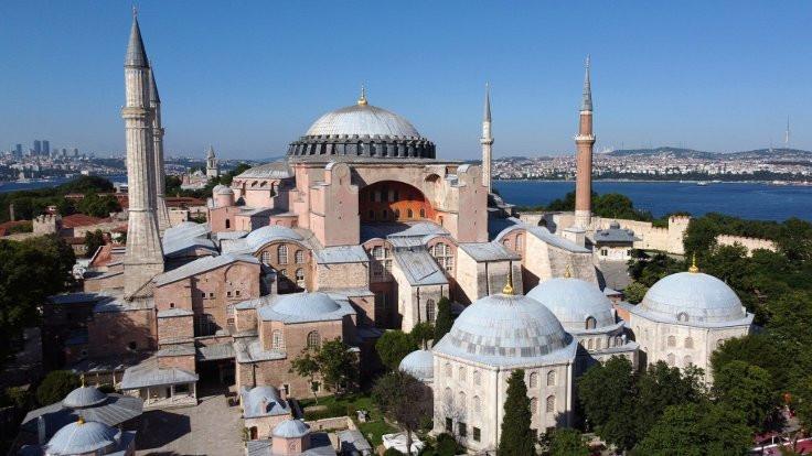 Ayasofya'nın camiye dönüşmesinin önü açıldı
