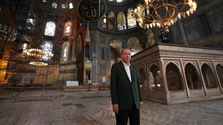 Cumhurbaşkanı Erdoğan Ayasofya'yı gezdi