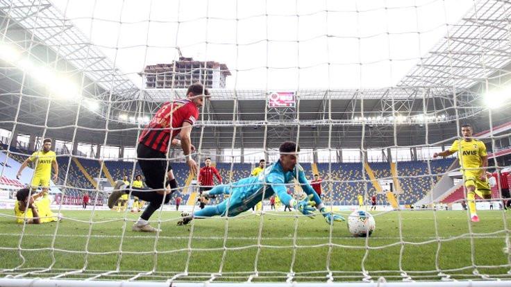 Fenerbahçe deplasmanda 6 maçtır kazanamıyor