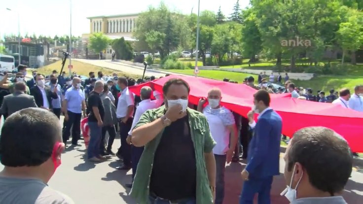 Polis, 15 Temmuz gazilerini yürütmedi