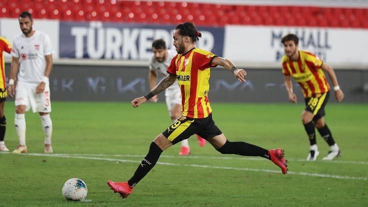 Sivasspor, üçüncülüğü İzmir'de bıraktı