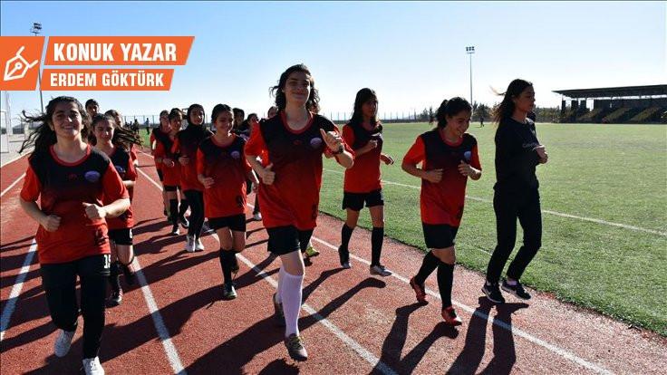 Ne oldu yahu FIFA'nın kadın futbolu yardımı?