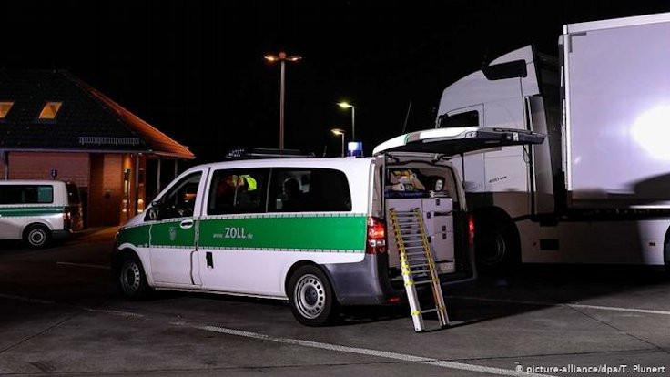 Kavun kamyonundan 31 sığınmacı çıktı