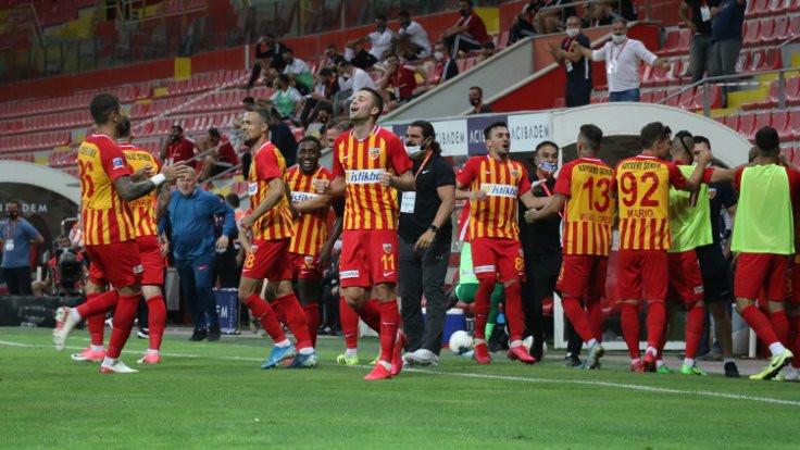 Kayserispor, Beşiktaş'ı 3 golle mağlup etti