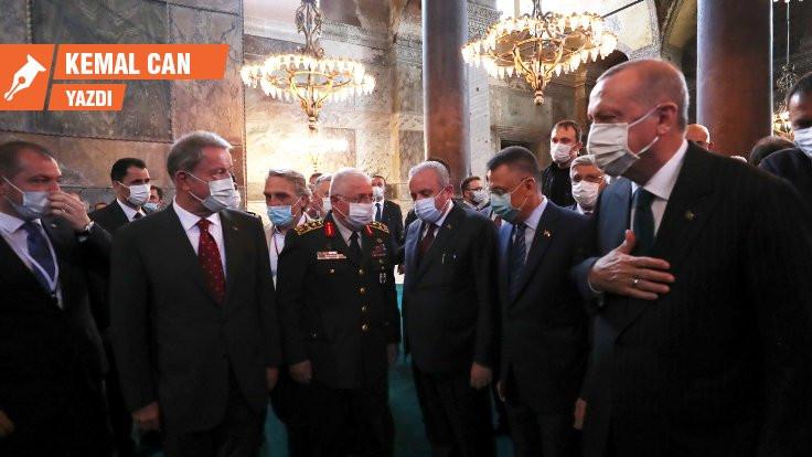 Ayasofya: Camiden siyaset çıkartmak