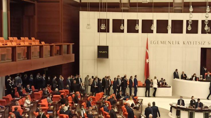 Mustafa Şentop 3. turda Meclis Başkanı seçildi