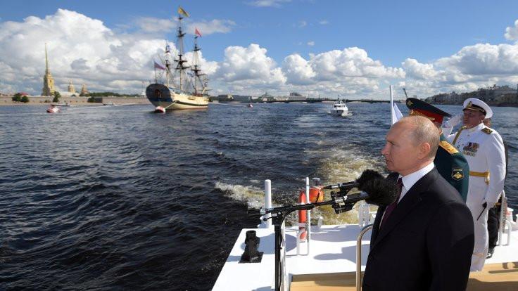 'Rus donanması hipersonik silahlarla donatılacak'