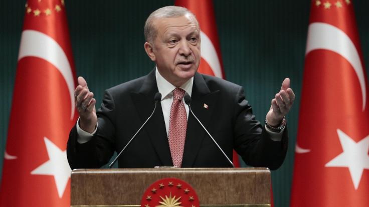 'Bir milletin yeniden doğuşuna şahitlik ediyoruz'