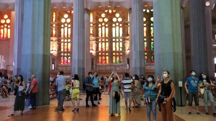 Sagrada Familia sağlık çalışanları için açıldı