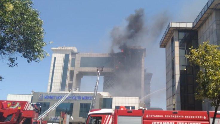 Bayrampaşa'da nikah salonunda yangın