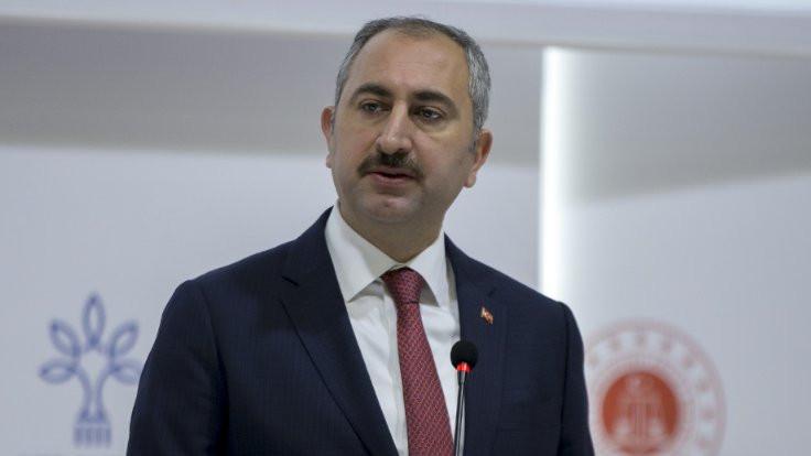 Adalet Bakanı Gül'den İstanbul Barosu'na: Kabul edilemez