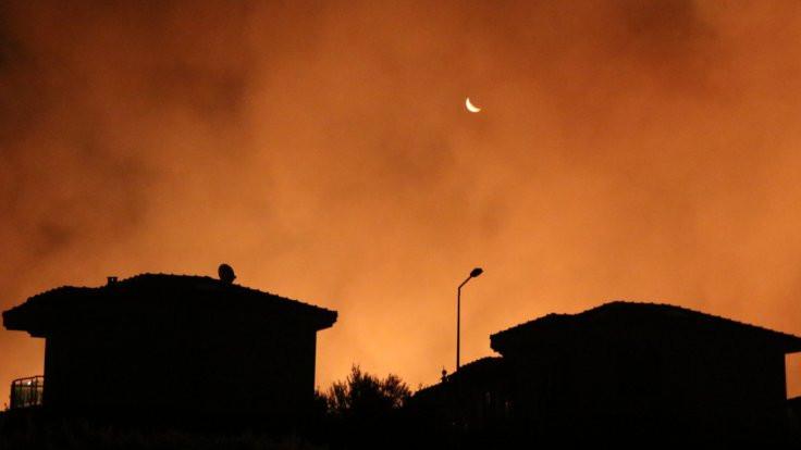 İzmir'de yangın: 4 site boşaltıldı