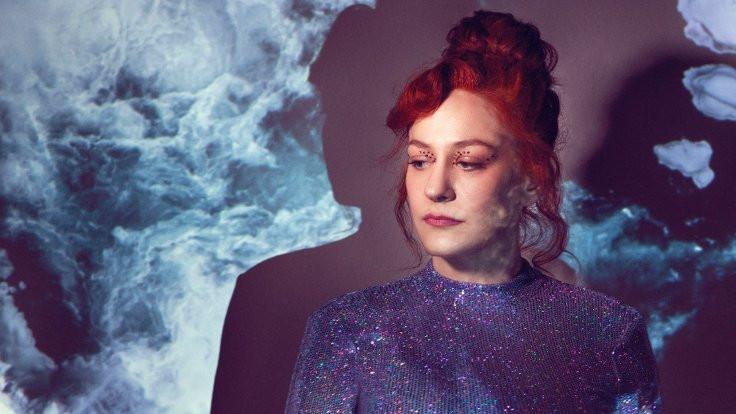 Esra Kaya'dan ilk single: Mavi