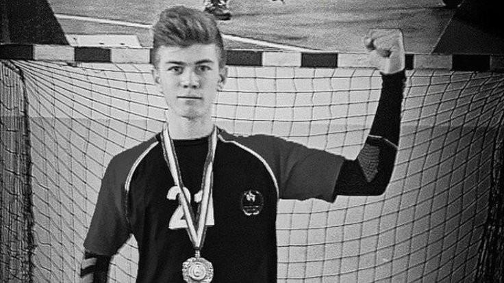 20 yaşındaki hentbolcu öldü