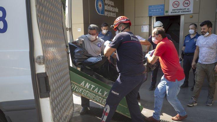Asansörde erkek cesedi bulundu
