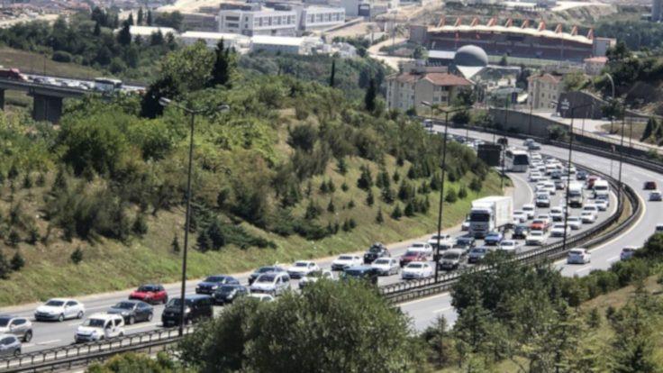İstanbul'a dönüş yoğunluğu başladı
