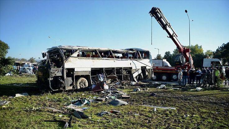 Eskişehir'de servis aracı devrildi