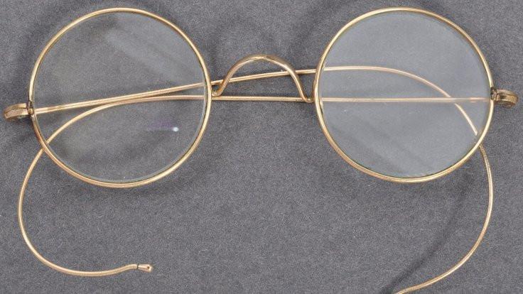 Gandi'nin gözlüğü 260 bin pounda satıldı