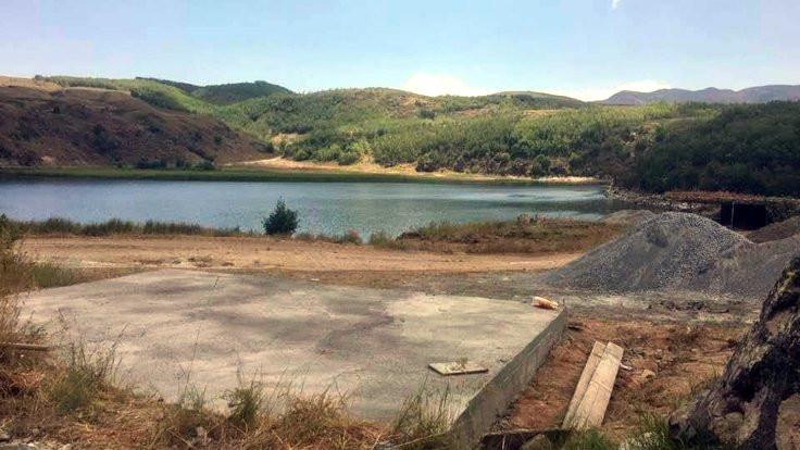 Doğal koruma alanı Nemrut kraterine beton