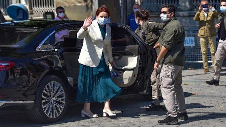Akşener, Ayasofya'da namaz kıldı
