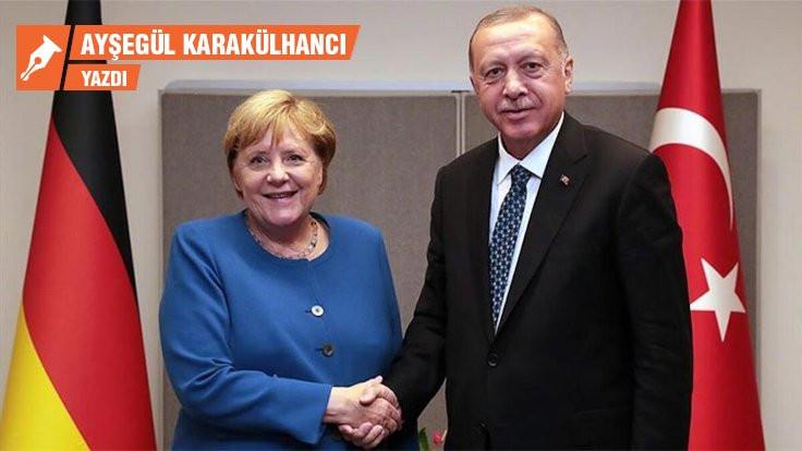 Erdoğan'ı Akdeniz'de batmaktan AB kurtarır