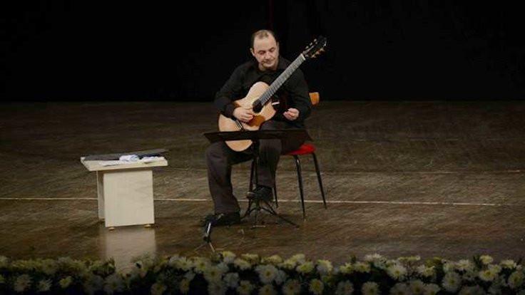 Gitarist Soner Egesel vefat etti