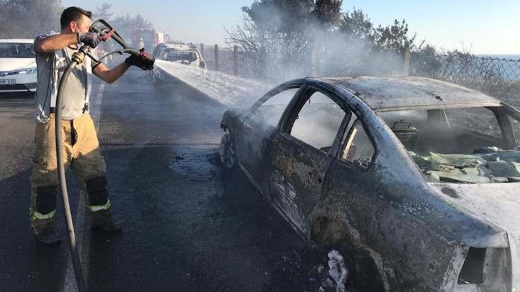 Plaj yolundaki yangında 50 araç yandı