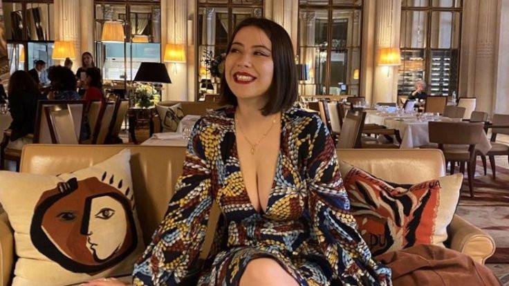 Orsay Müzesi, elbisesi 'dekolte' denilerek engellediği ziyaretçiden özür diledi