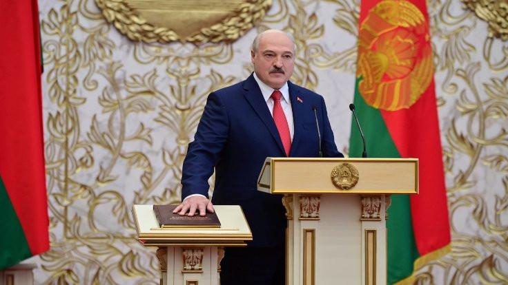 Lukaşenko 'sessizce' yemin etti, muhalefetten sivil itaatsizlik çağrısı geldi