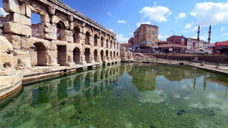 2 bin yıllık Roma hamamının kapısına kilit vuruldu - Sayfa 1