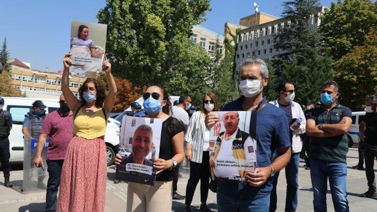 Sağlık emekçilerinden alkışlı protesto