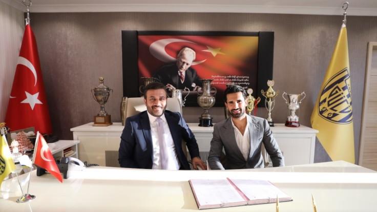 MKE Ankaragücü, Alper Potuk'u transfer etti