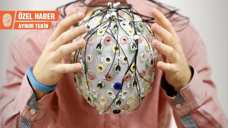 Prof. Dr. Emre Yakşi: Beyin yeni modüllerin adım adım eklenmesiyle gelişiyor