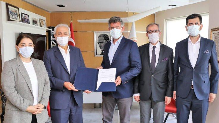İstanbul'da ikinci baro kuruluş yetki belgesini aldı