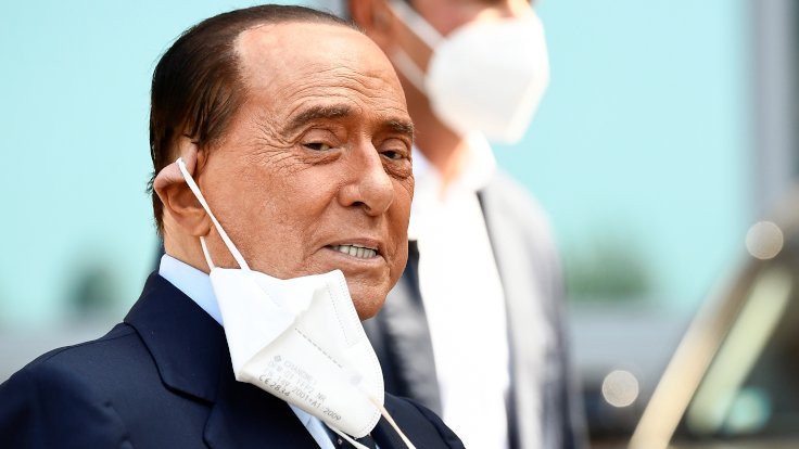 Koronayı atlattı: Berlusconi taburcu edildi