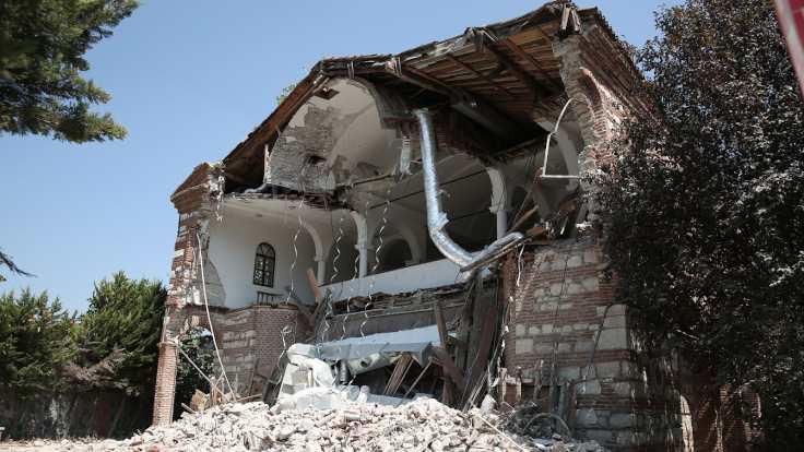 Bakım yapılmayan 'Bursa'nın Ayasofyası' yıkıldı