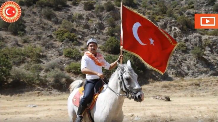 Diriliş Cahit Özkan: Atla, mehterle geldi