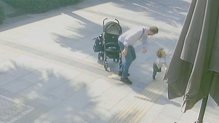 2 yaşındaki çocuğunu sokak ortasında döven baba serbest