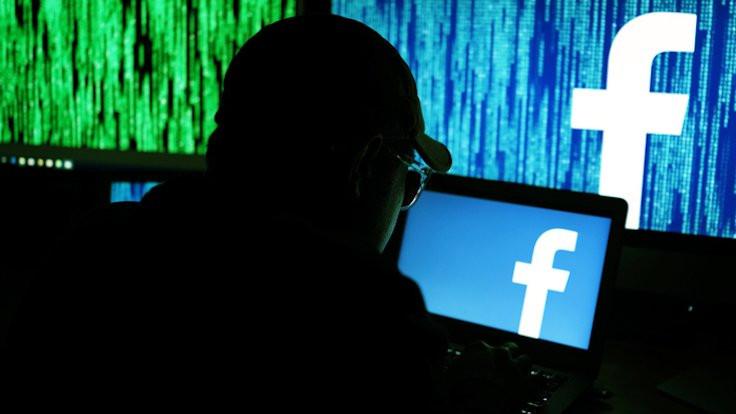 Facebook'a dava: Instagram üzerinden gözetliyor