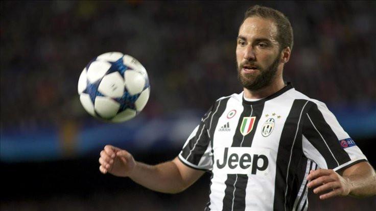 Gonzalo Higuain, Juventus'tan ayrıldı