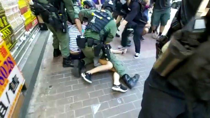 Hong Kong'da 12 yaşındaki çocuğa gözaltı