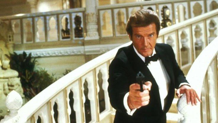 Polis James Bond'un çalınan silahları için halktan yardım istedi