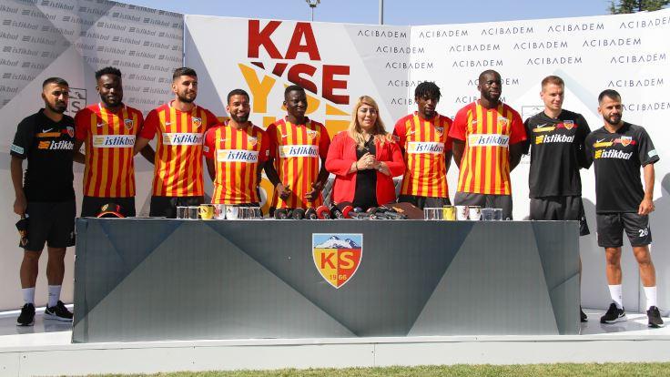 Kayserispor, 9 isimle sözleşme imzaladı