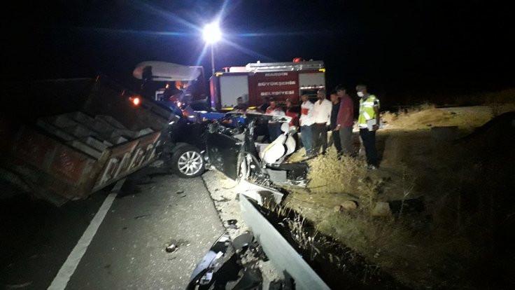 Mardin'de trafik kazası: 6 ölü